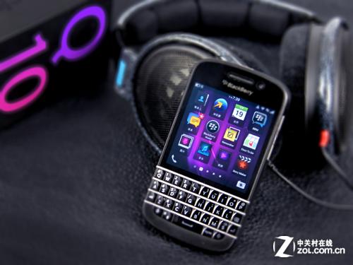 经典全键盘智能 黑莓Q10特价3750元